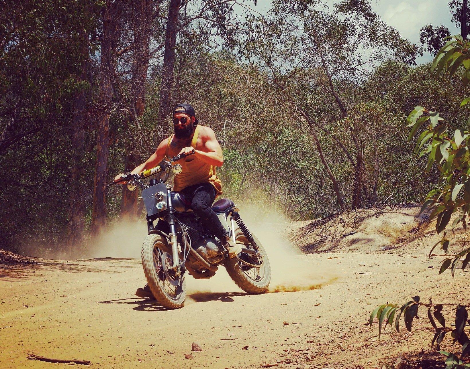 cafe racer australia custom motorcyc;e scrambler builder suzuki gn250