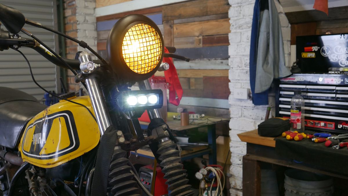 Off road scrambler parts motorcycle headlight
