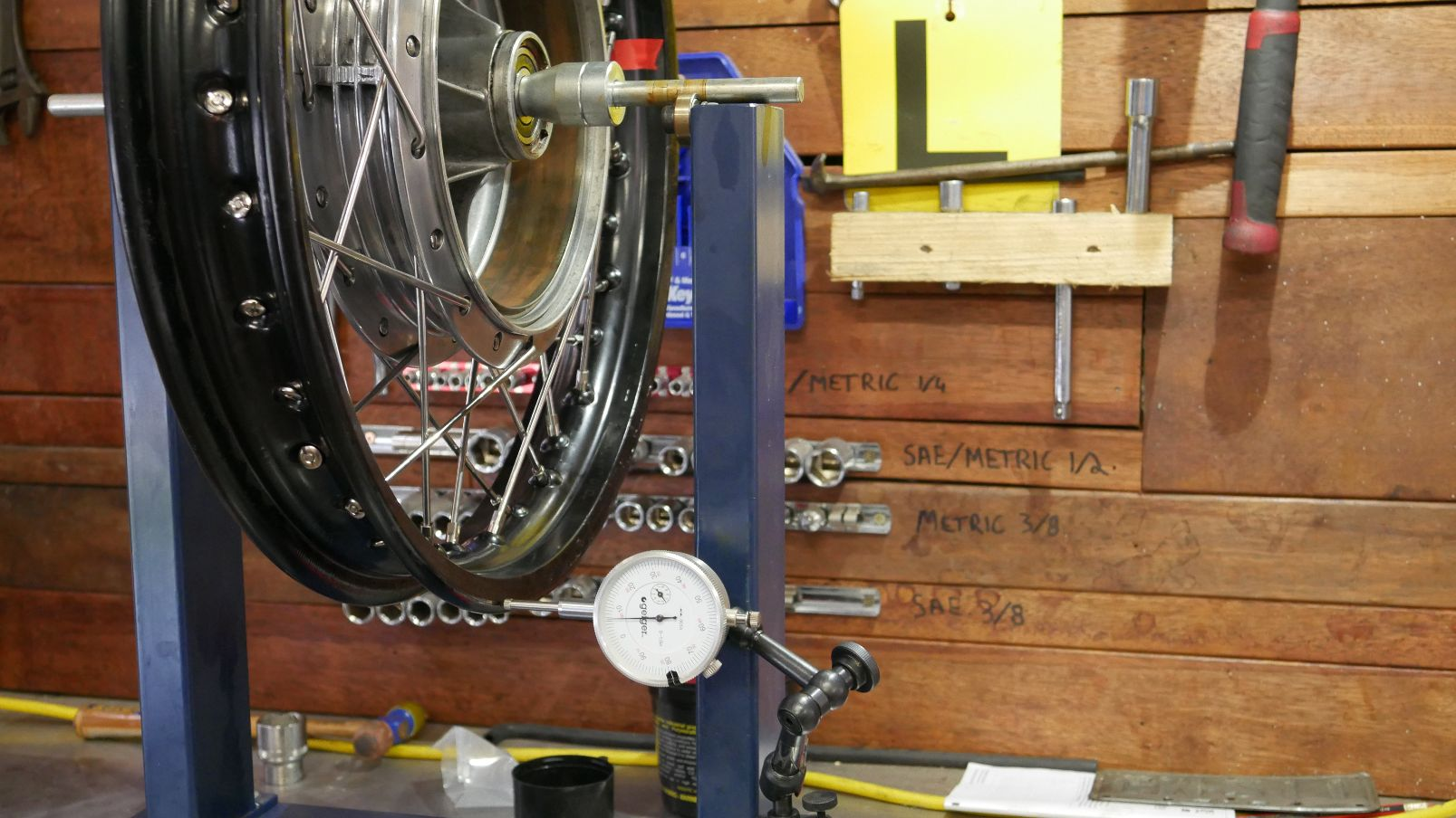 re-lacing spoked wheels motorbike rims