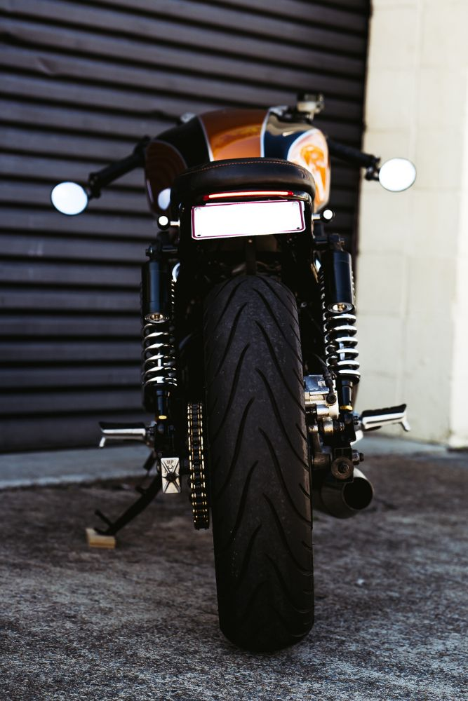 Cafe Racer Cross over CB750 Brat style street fighter Hond Gold Coast Custom Motorcycle Parts
