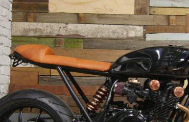 DIY cafe racer seat scrambler seat