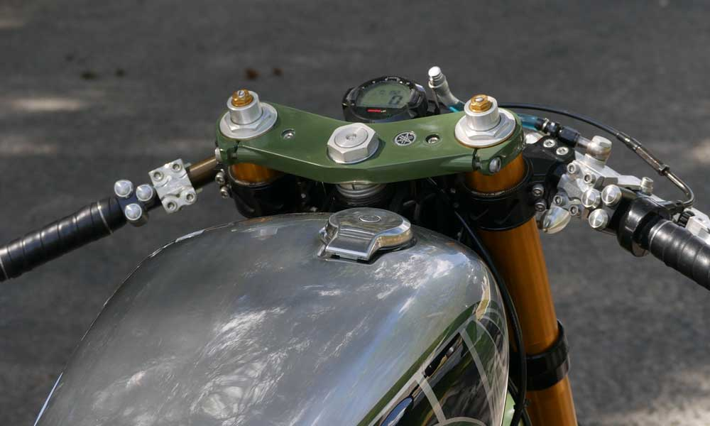 Switch buttons for cafe racers