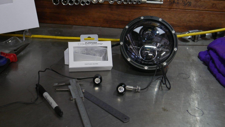 custom LED headlight Cafe Racer Bobber Chopper Harley triumph