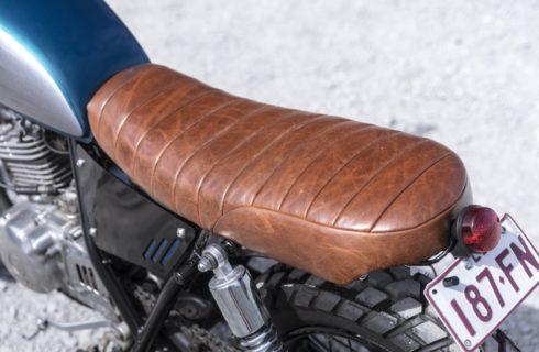 Custom scrambler cafe racer seat