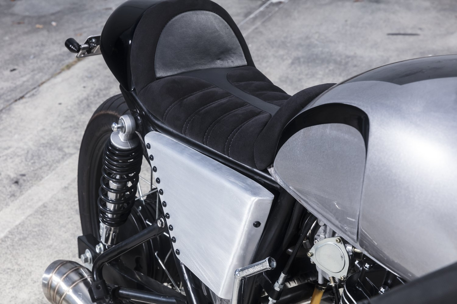Custom motorcycle seats Queensland brisbane goldcoast cafe racer scrambler chopper