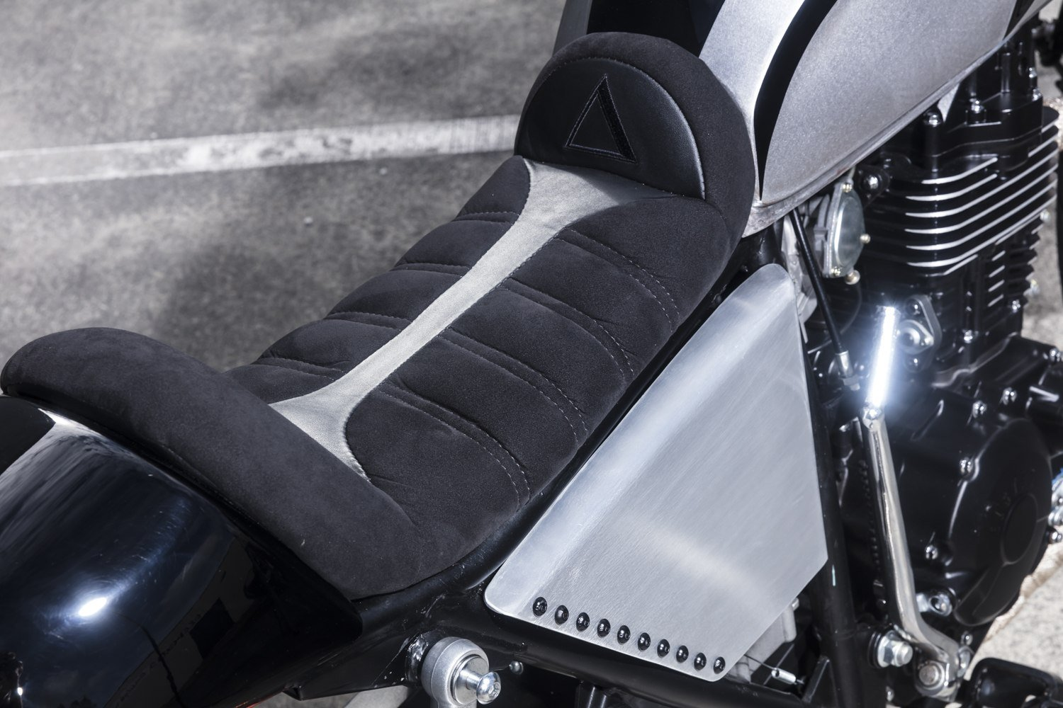 Custom motorcycle upholstery motorcycle seat