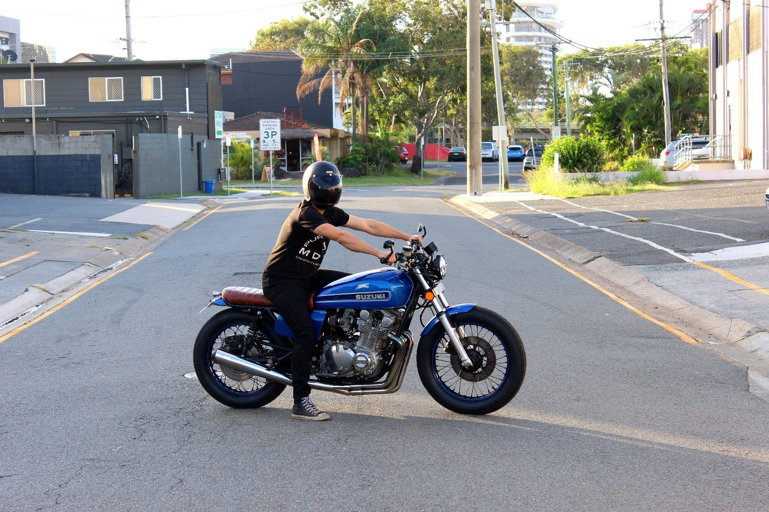 Suzuki brat racer GS1000 custom gold coast