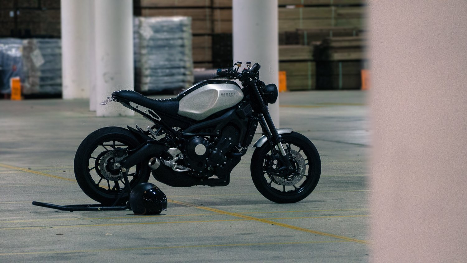 Custom XSR900 XSR700 cafe racer tracker parts