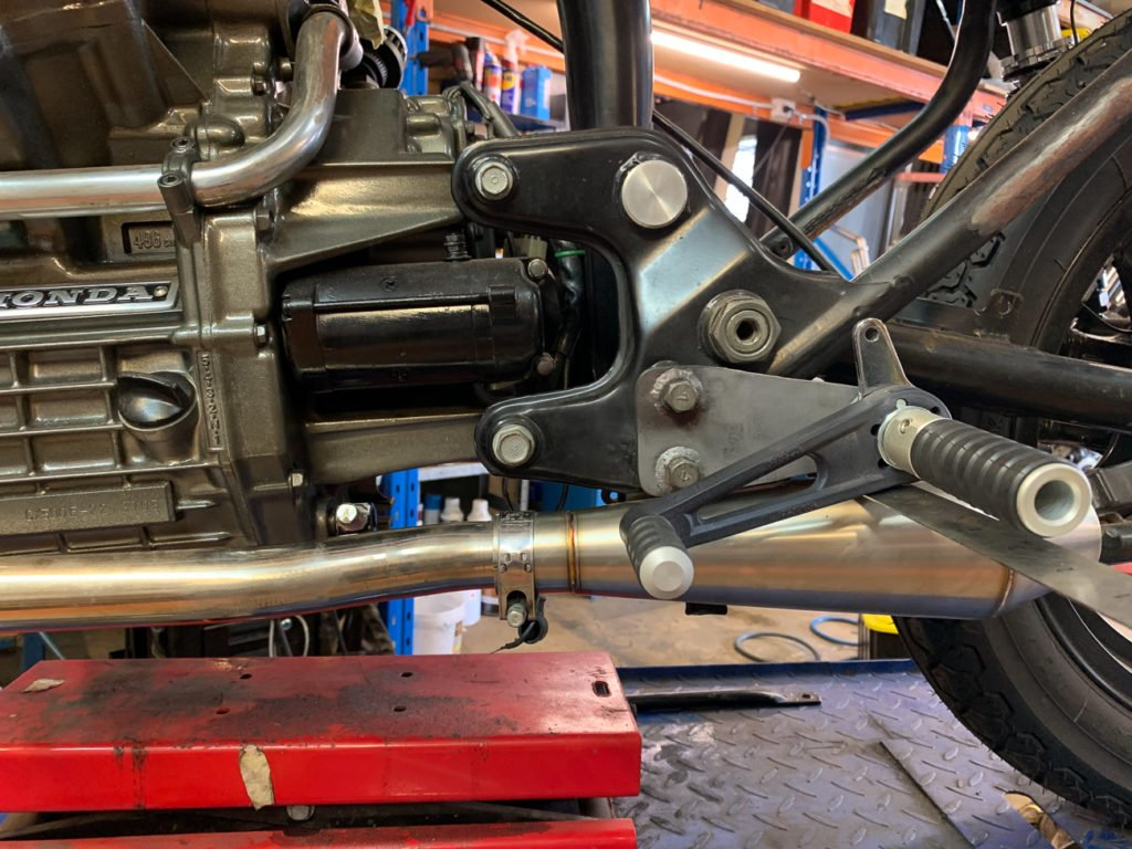 Install CX500 rearsets
