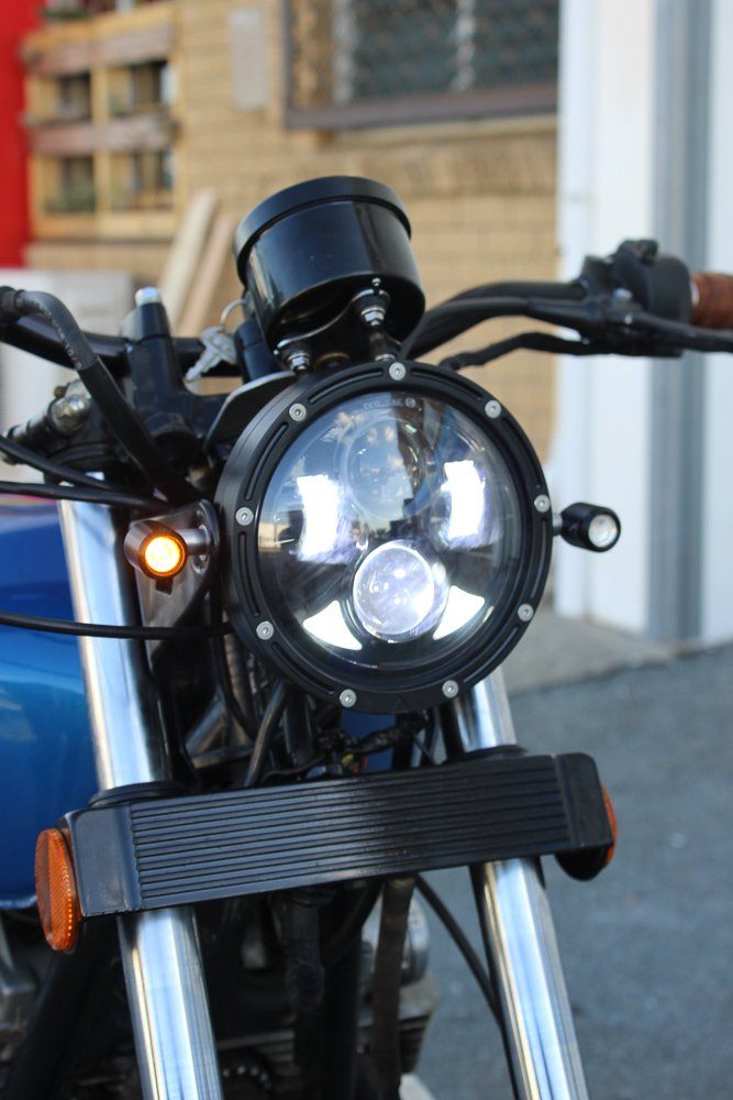 How to mount front LED turn signals on a motorcycle suzuki