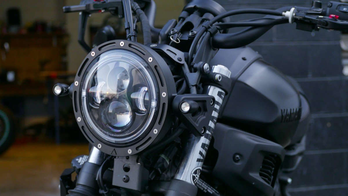 XSR700 LED headlight upgrade 3 in 1 turn signal