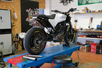 Husqvarna Vitpilen 401 Street Tracker build